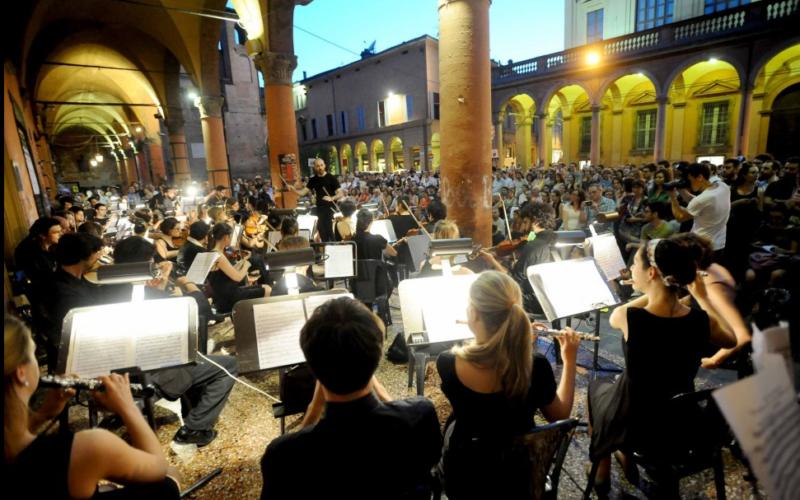 Mercato Sonato – Orchestra Senzaspine
