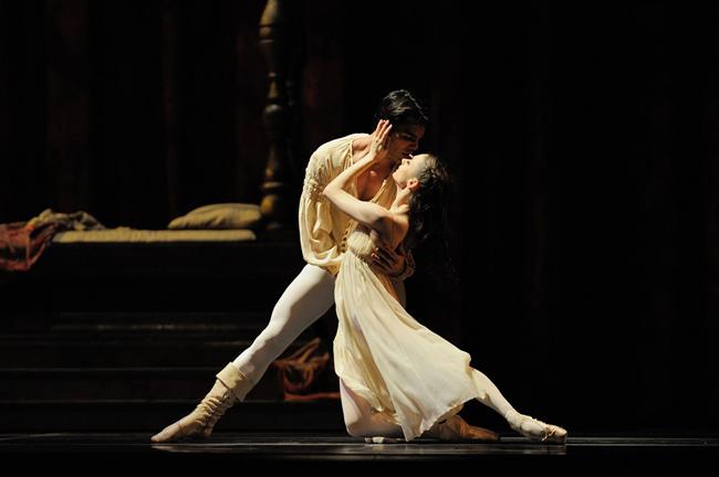 Romeo e Giulietta in danza: essere giovani ieri, oggi e domani