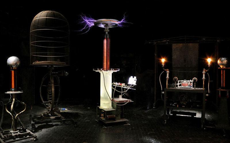 I barlumi di una poesia scientifica: Masque teatro e Nikola Tesla