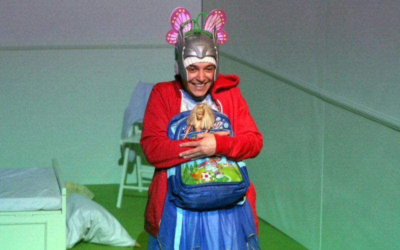 """Tra extraterrestri e dinosauri: """"Fa'afafine"""" di Giuliano Scarpinato"""