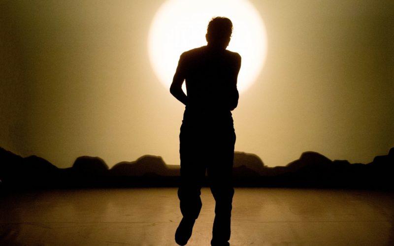 Una giornata qualunque del danzatore Gregorio Samsa. Sguardi collettivi