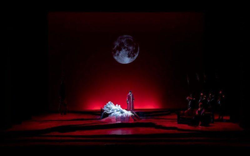 """E la Luna si tinse di rosso nella """"Salome"""" di Strauss"""